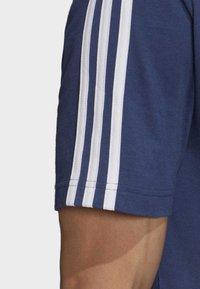 adidas Performance - ESSENTIALS 3-STRIPES T-SHIRT - Print T-shirt - tech indigo - 5