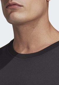 adidas Performance - ADIDAS Z.N.E. 3-STRIPES T-SHIRT - Print T-shirt - black - 4