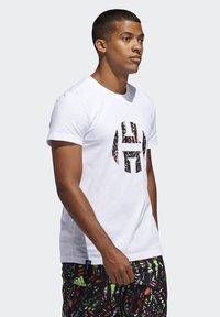 adidas Performance - HARDEN LOGO T-SHIRT - T-shirt z nadrukiem - white - 3