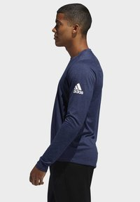 adidas Performance - FREELIFT SPORT HEATHER BADGE OF SPORT LONG-SLEEVE TOP - Sports shirt - mottled blue - 2