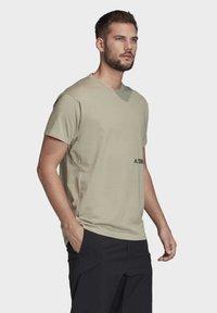 adidas Performance - TERREX PRIMEBLUE LOGO T-SHIRT - Print T-shirt - grey - 3