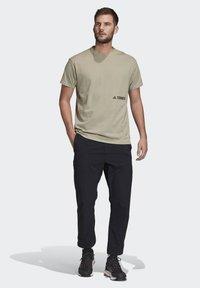 adidas Performance - TERREX PRIMEBLUE LOGO T-SHIRT - Print T-shirt - grey - 1