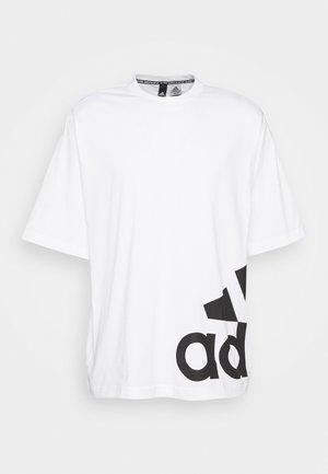 BOXBOS TEE - T-shirt z nadrukiem - white/black