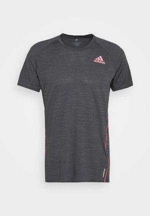 ADI RUNNER TEE - Print T-shirt - dark grey solar grey