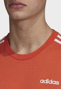 adidas Performance - ESSENTIALS 3-STRIPES T-SHIRT - T-shirt print - orange - 4