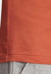 adidas Performance - ESSENTIALS 3-STRIPES T-SHIRT - T-shirt print - orange - 5