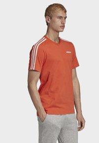 adidas Performance - ESSENTIALS 3-STRIPES T-SHIRT - T-shirt print - orange - 2