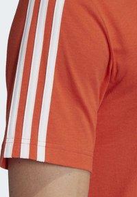 adidas Performance - ESSENTIALS 3-STRIPES T-SHIRT - T-shirt print - orange - 6