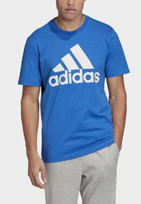 adidas Performance - MUST HAVES BADGE OF SPORT T-SHIRT - T-shirts med print - blue - 4