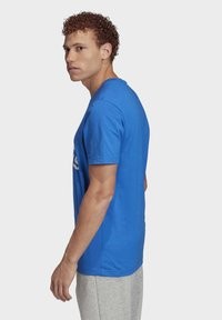 adidas Performance - MUST HAVES BADGE OF SPORT T-SHIRT - T-shirts med print - blue - 3