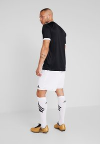 adidas Performance - PARMA PRIMEGREEN FOOTBALL 1/4 SHORTS - Sportovní kraťasy - white/black - 2