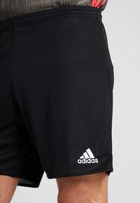 adidas Performance - PARMA PRIMEGREEN FOOTBALL 1/4 SHORTS - Sports shorts - black/white - 4