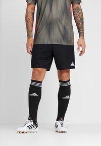 adidas Performance - PARMA PRIMEGREEN FOOTBALL 1/4 SHORTS - Sports shorts - black/white - 0
