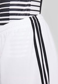 adidas Performance - SQUADRA CLIMALITE FOOTBALL 1/4 SHORTS - Pantalón corto de deporte - white/black - 5