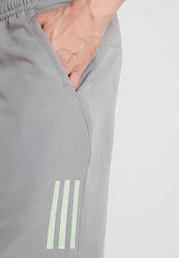 adidas Performance - CLUB SHORT - Sports shorts - grey/glow green - 4