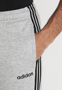 adidas Performance - Teplákové kalhoty - medium grey heather/black/solid grey - 4