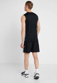 adidas Performance - CHELSEA ESSENTIALS PRIMEGREEN SPORT SHORTS - Sports shorts - black/white - 2