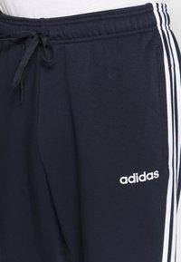 adidas Performance - ESSENTIALS 3STRIPES FRENCH TERRY SPORT PANTS - Pantalon de survêtement - navy - 4