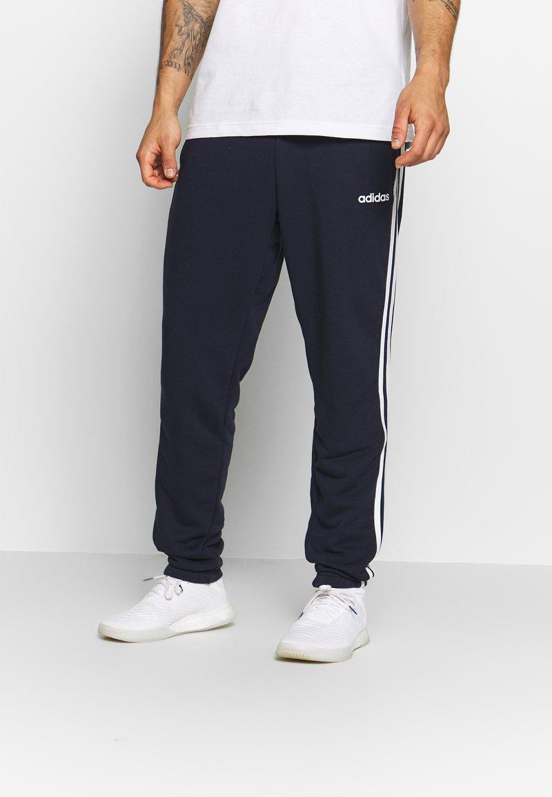 adidas Performance - ESSENTIALS 3STRIPES FRENCH TERRY SPORT PANTS - Pantalon de survêtement - navy
