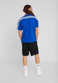 adidas Performance - 4KRFT SPORT 10-INCH LIGHTWEIGHT SHORTS - Sports shorts - collegiate royal/black - 2