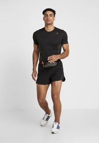 adidas Performance - SUPERNOVA SHORT - Pantalón corto de deporte - black - 1