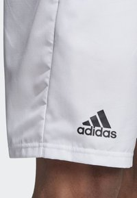 adidas Performance - CLUB SHORTS 9-INCH - Sports shorts - white
