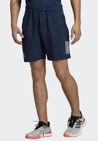 adidas Performance - CLUB 3-STRIPES 9-INCH SHORTS - Träningsshorts - blue - 0