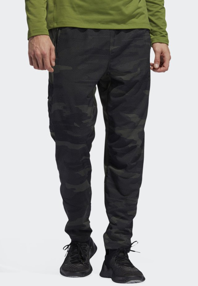 CAMO TRAINING JOGGERS - Tracksuit bottoms - green