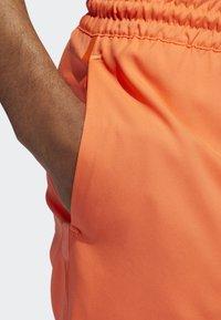 adidas Performance - N3XT L3V3L SHORTS - Korte broeken - orange - 4