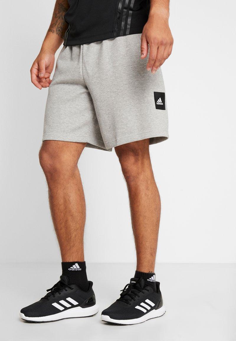 adidas Performance - MUST HAVE ENHANCED ATHLETICS SPORT SHORTS - kurze Sporthose - medium grey heather