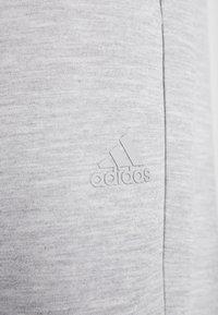 adidas Performance - MUST HAVE AEROREADY ATHLETICS SPORT PANTS - Pantalones deportivos - grey - 5