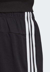adidas Performance - ESSENTIALS 3-STRIPES SHORTS - Short de sport - black - 6