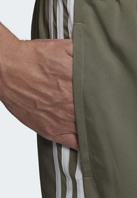 adidas Performance - ESSENTIALS 3-STRIPES CHELSEA SHORTS 7 INCH - Sports shorts - grey - 4