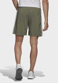adidas Performance - ESSENTIALS 3-STRIPES CHELSEA SHORTS 7 INCH - Sports shorts - grey - 1