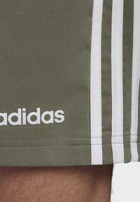adidas Performance - ESSENTIALS 3-STRIPES CHELSEA SHORTS 7 INCH - Sports shorts - grey - 6