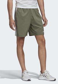 adidas Performance - ESSENTIALS 3-STRIPES CHELSEA SHORTS 7 INCH - Sports shorts - grey - 2