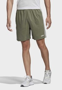 adidas Performance - ESSENTIALS 3-STRIPES CHELSEA SHORTS 7 INCH - Sports shorts - grey - 0