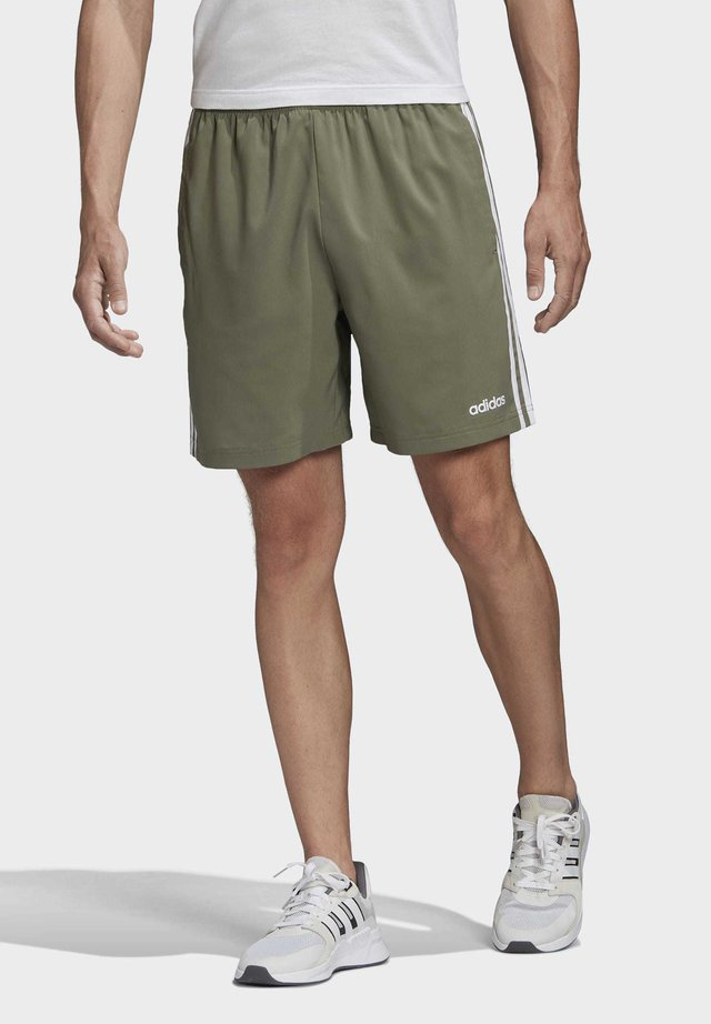 ESSENTIALS 3-STRIPES CHELSEA SHORTS 7 INCH - Korte broeken - grey
