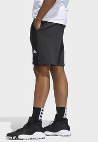 adidas Performance - CROSS-UP 365 SHORTS - Krótkie spodenki sportowe - grey/black - 2
