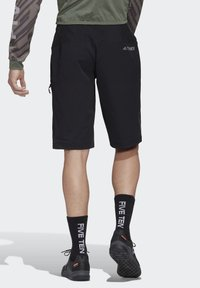 adidas Performance - TERREX TRAILCROSS BERMUDA SHORTS - kurze Sporthose - black - 2