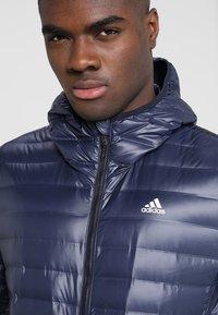 adidas Performance - VARILITE HOODED DOWN JACKET - Zimní bunda - legend ink - 5