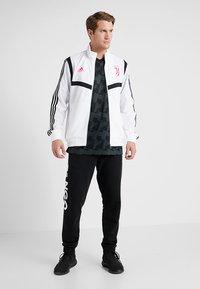adidas Performance - JUVENTUS TURIN PRE JKT - Fanartikel - white/black - 1