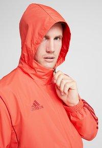 adidas Performance - FC BAYERN MÜNCHEN AW JKT - Fanartikel - bright red/active maroon - 4