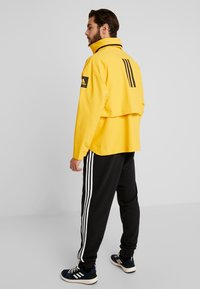 adidas Performance - MYSHELTER RAIN.RDY - Giacca hard shell - active gold - 2