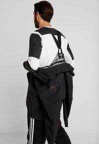 adidas Performance - MYSHELTER RAIN.RDY - Hardshellová bunda - black - 7