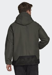 adidas Performance - BACK-TO-SPORTS 3-STRIPES HOODED INSULATED JACKET - Hardloopjack - green - 2