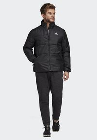 adidas Performance - BSC 3-STRIPES INSULATED JACKET - Chaqueta de invierno - black - 1