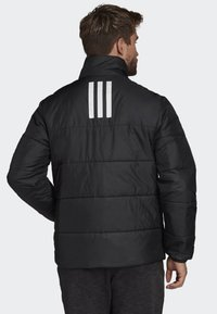 adidas Performance - BSC 3-STRIPES INSULATED JACKET - Chaqueta de invierno - black - 2