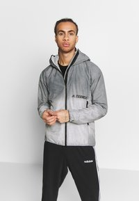 adidas Performance - TERREX WINDWEAVE LIGHT  - Blouson - grey four/white - 0