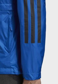 adidas Performance - BSC 3-STRIPES WIND.RDY WINDBREAKER - Veste coupe-vent - blue - 5